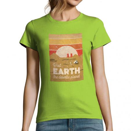 "T-shirt femme ""Visit Earth"""